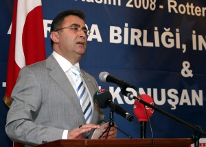 Avrupa Turkce Sureli Yayinlar Sempozyumunda