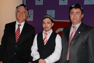 Prof Dr Sukru Haluk Akalin ve Veyis Gungor Uygur kalpagi ile